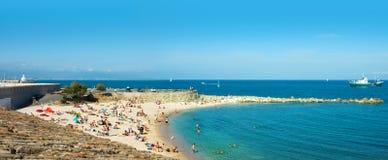 海滩和海运,安地比斯城市,法国 免版税库存图片