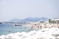 海滩在戛纳 免版税库存照片