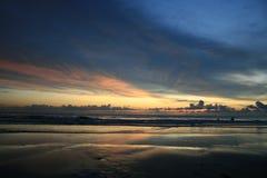 海滩在日落泰国的chang酸值 免版税图库摄影