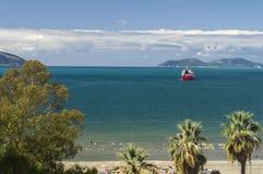 海滩在阿尔巴尼亚是真正地好的 免版税库存图片
