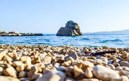 海滩在Brela,克罗地亚 免版税图库摄影