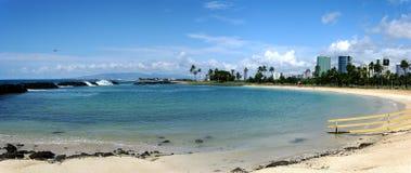 海滩城市檀香山 免版税库存照片