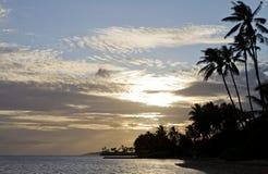 海滩夏威夷人日落 免版税库存照片