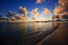 海滩夏威夷lanikai太平洋日出 库存照片