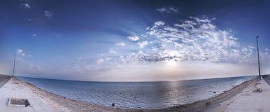 海滩天空 免版税库存图片