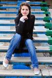 海滩女孩台阶 免版税图库摄影