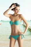 海滩女孩太阳镜穿戴 库存图片