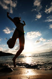 海滩妇女年轻人 免版税图库摄影