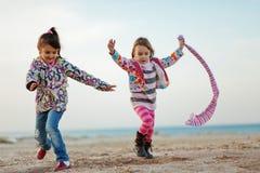 海滩孩子使用 免版税库存照片