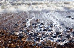 海滩小卵石海运通知 免版税库存照片