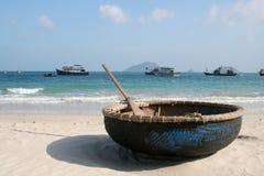 海滩小船联系人dao 免版税库存图片