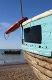 海滩小船英国hastings视图 免版税库存图片