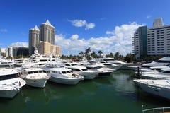 海滩小船迈阿密显示 免版税图库摄影