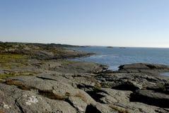海滩岩石的挪威 免版税库存图片