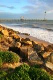 海滩布赖顿岩石 免版税库存图片