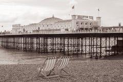 海滩布赖顿英国葡萄酒 库存照片