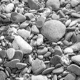 海滩当前石头 北京,中国黑白照片 免版税图库摄影