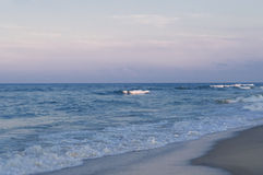 海滩微明 免版税库存图片