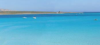 海滩意大利la全景pelosa撒丁岛 免版税库存照片