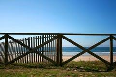 海滩扶手栏杆 库存照片