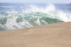 海滩拉古纳shorebreak 库存图片