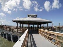 海滩捕鱼佛罗里达迈尔斯堡码头 图库摄影