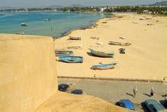 海滩接近的hammamet medina 免版税库存图片