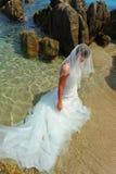 海滩新娘异乎寻常的美人鱼 免版税库存图片