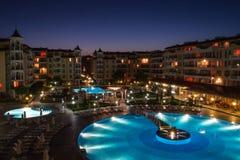海滩旅馆在夜晴朗的海滩的2保加利亚 免版税库存照片