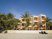海滩旅馆 免版税图库摄影