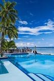 海滩无限池手段游泳 库存图片