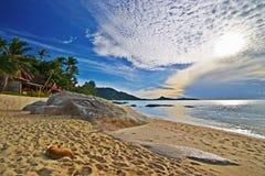 海滩日出 免版税库存图片