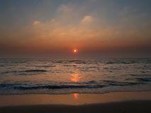 海滩日落zandvoort 免版税库存图片