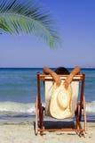 海滩松弛暑假 免版税库存图片