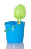 海滩桶铁锹玩具 免版税库存图片