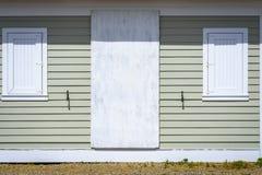 海滩棚子2窗口和门 免版税库存照片