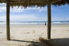 海滩棚子 免版税库存图片
