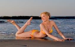 海滩比基尼泳装 免版税库存照片