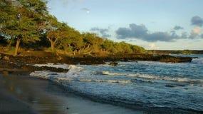 海滩毛伊月出 免版税库存照片
