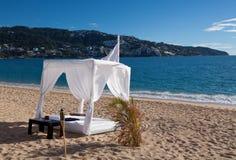 海滩沙发床 库存照片