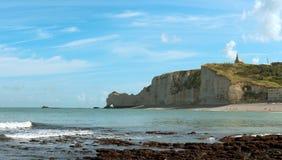 海滩法国岩石的诺曼底 库存照片