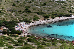 海滩海岛kornati抽签游人 免版税图库摄影