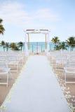海滩海洋俯视的婚礼 库存照片