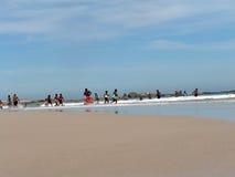 海滩游人 库存照片