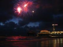 海滩烟花 免版税库存照片