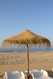 海滩热带伞 免版税库存图片