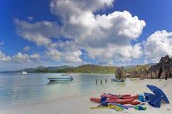 海滩热带的海岛度假村 免版税库存照片