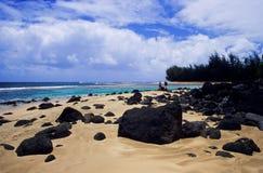 海滩熔岩岩石 免版税库存照片