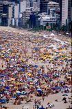 海滩狂欢节里约伞 免版税库存照片
