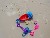 海滩玩具和假日乐趣 库存图片